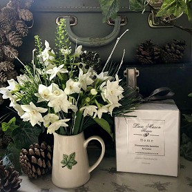 Fresh flower posy with a signature Lucie Mason luxury candle